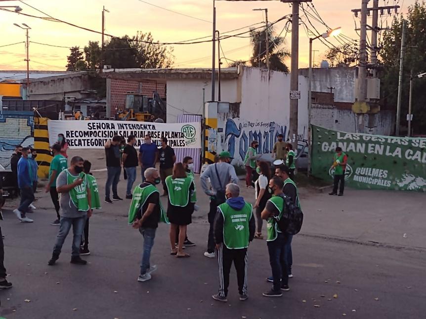 Trabajadores de ATE Quilmes realizaron una jornada de protesta