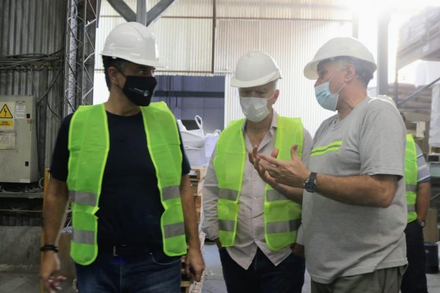 Grindetti y Jorge Macri supervisaron protocolos sanitarios en una empresa de Lanús Este