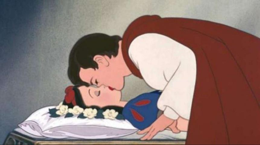 Blancanieves: Piden cancelar el beso del pr�ncipe porque no fue consensuado