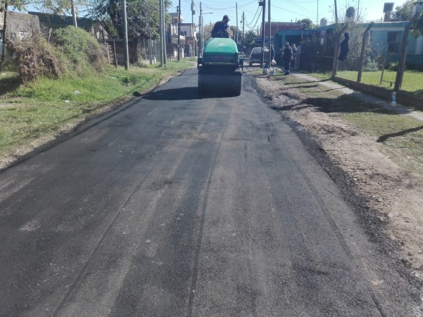 Varela: Bachearon la calle Arenales con carpeta asfáltica