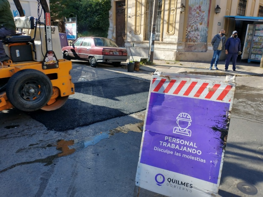 El Municipio de Quilmes realiza tareas de higiene urbana, bacheo y saneamiento h�drico
