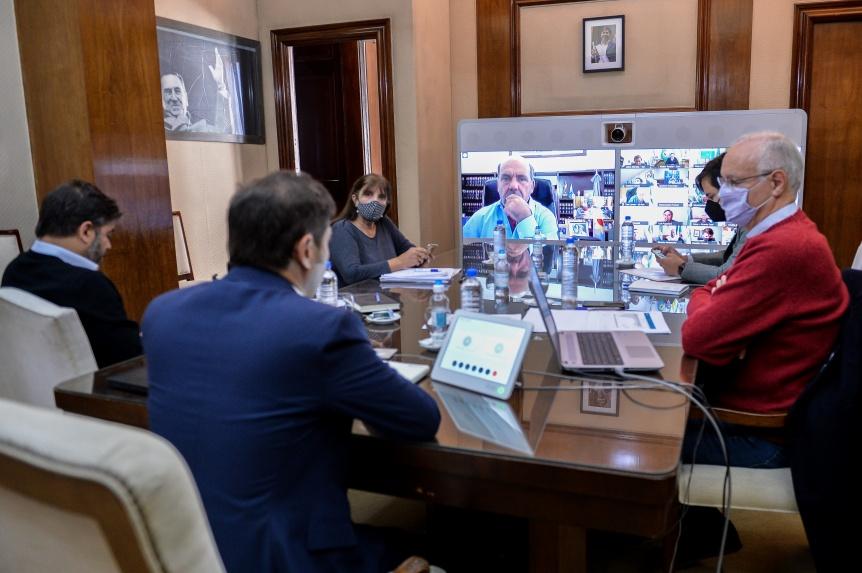 Medidas: Kicillof se reunió con intendentes de toda la Provincia