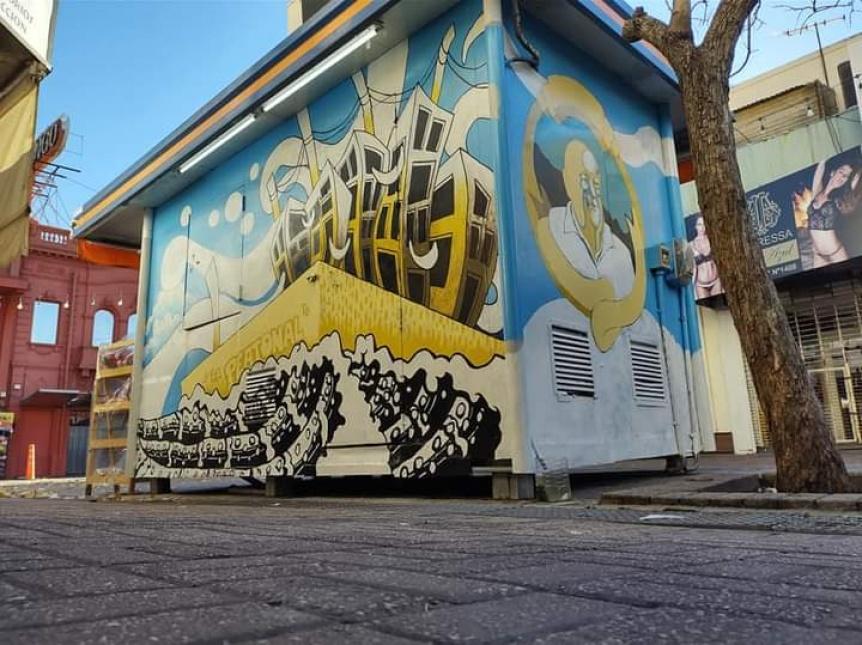 En Berazategui, artistas intervienen puestos de diarios y kioscos