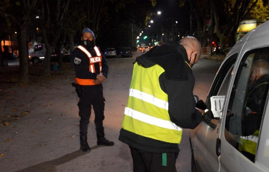 Operativo de seguridad en Florencio Varela: secuestraron 7 autos y 2 motos