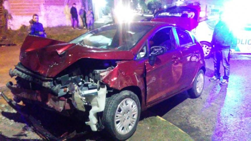 Bernal Oeste: Grave accidente de tr�nsito con dos personas heridas
