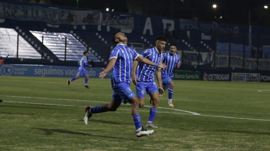 Godoy Cruz se lo dio vuelta a Central y festej� en Mendoza
