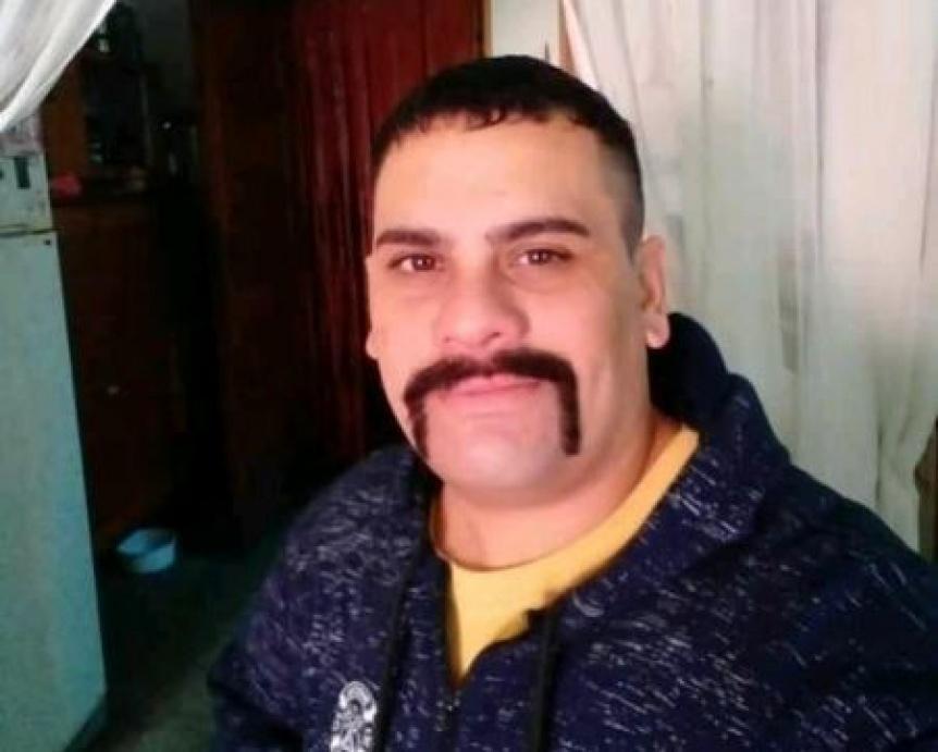 Familiares continúan buscando a un joven desaparecido en Bernal Oeste