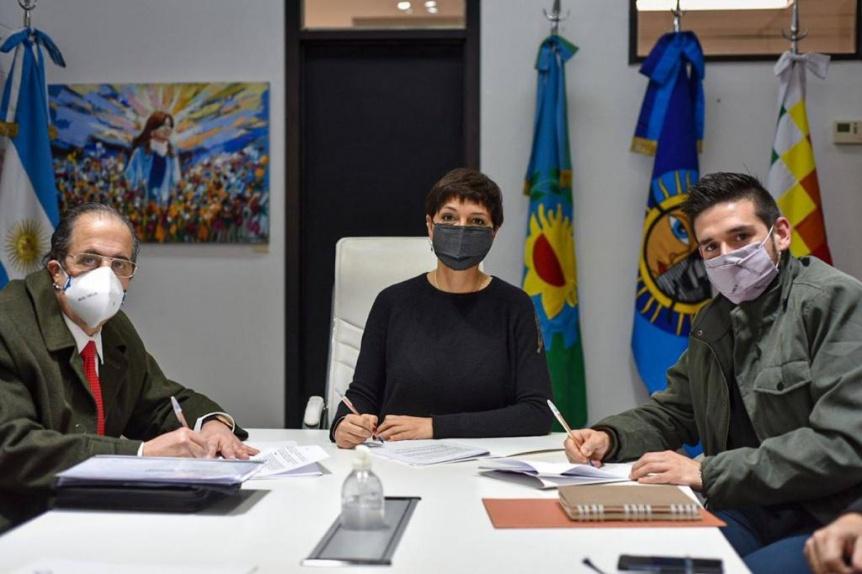 El Municipio de Quilmes y Edesur firmaron acuerdo para mejorar el servicio en cuatro barrios