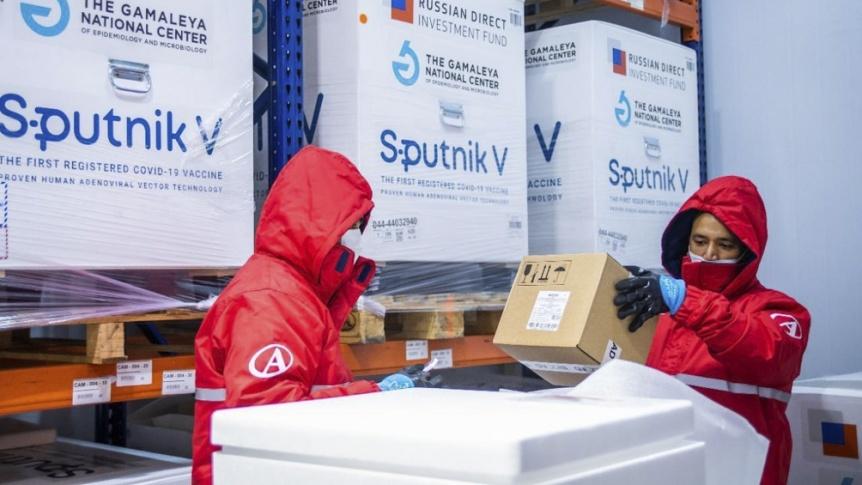 Lleg� un cargamento del componente 2 de la Sputnik para producir m�s de 750 mil dosis