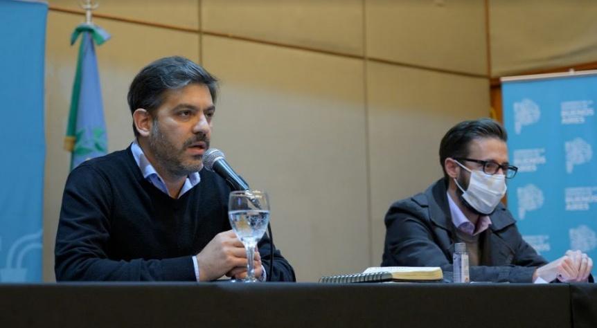 Bianco y Simone firmaron contratos para obras de vialidad en la provincia