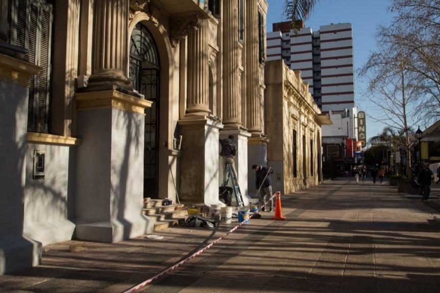 Avanzan en Quilmes las obras de refacci�n en las escuelas de la plaza San Mart�n