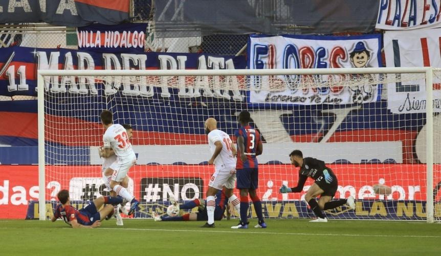Argentinos peg� r�pido y le gan� a San Lorenzo como visitante