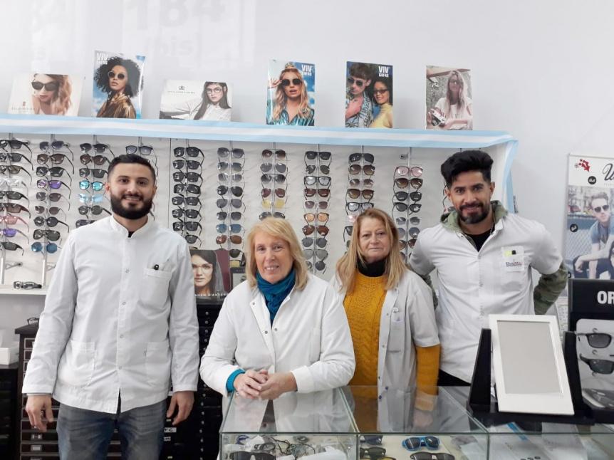 �ptica Puerto Luz celebra su cincuentenario de servicio y profesionalismo en lentes