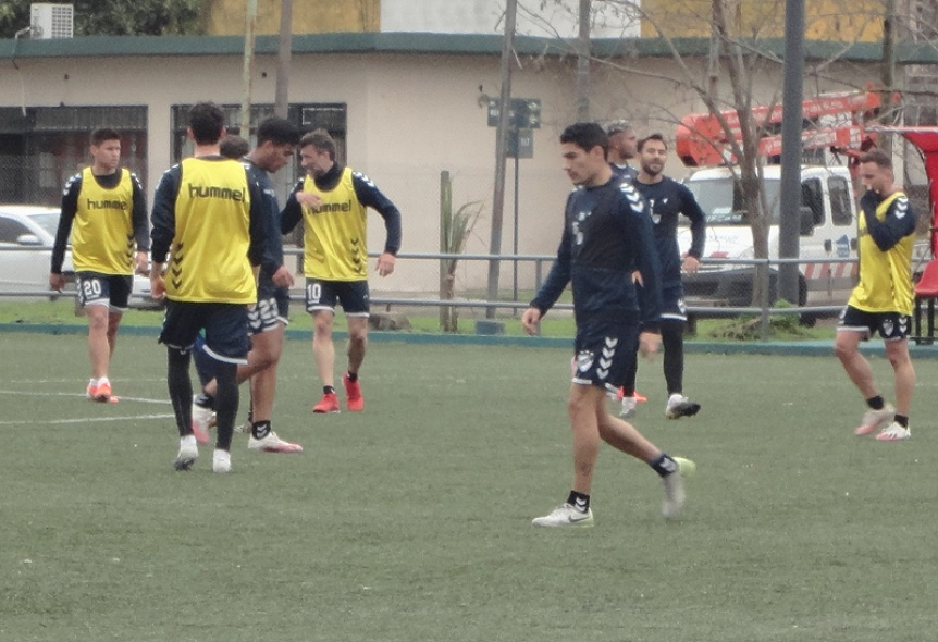Con Bonetto recuperado, Quilmes hizo fútbol en Maltería Hudson