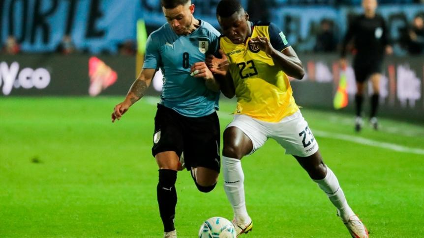Uruguay derrot� a Ecuador y trep� al tercer lugar