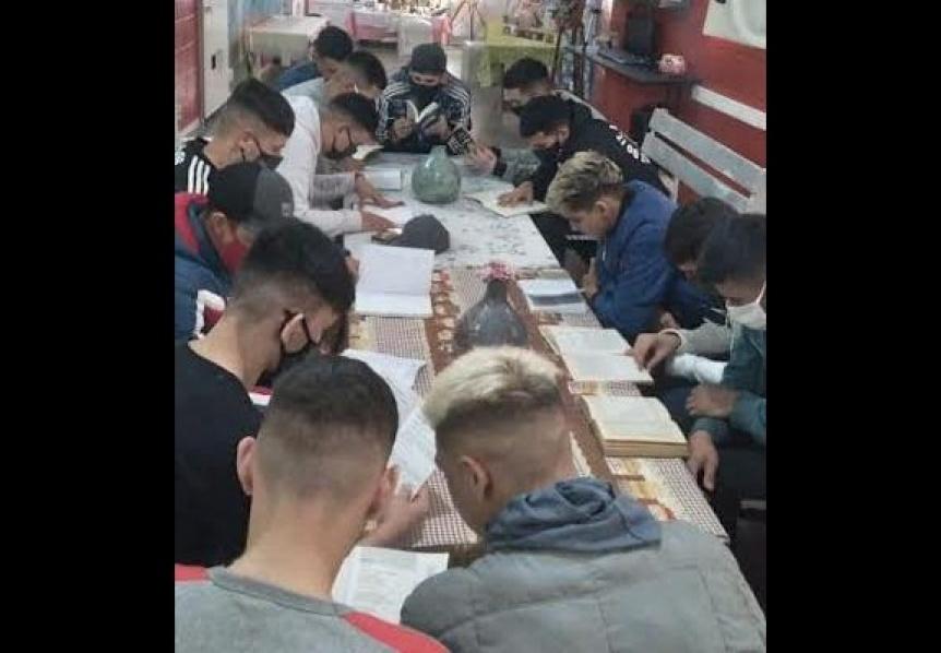 "Primer encuentro provincial del programa ""Pabellones literarios para la libertad"""