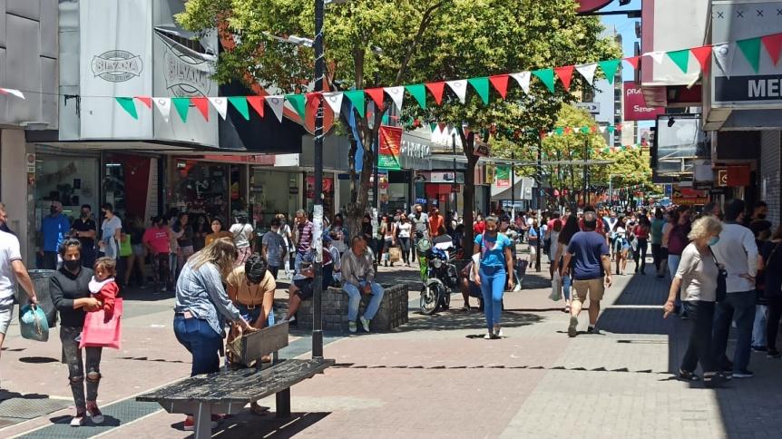 Levantaron las restricciones sanitarias y de aforo para los comercios en todo Quilmes