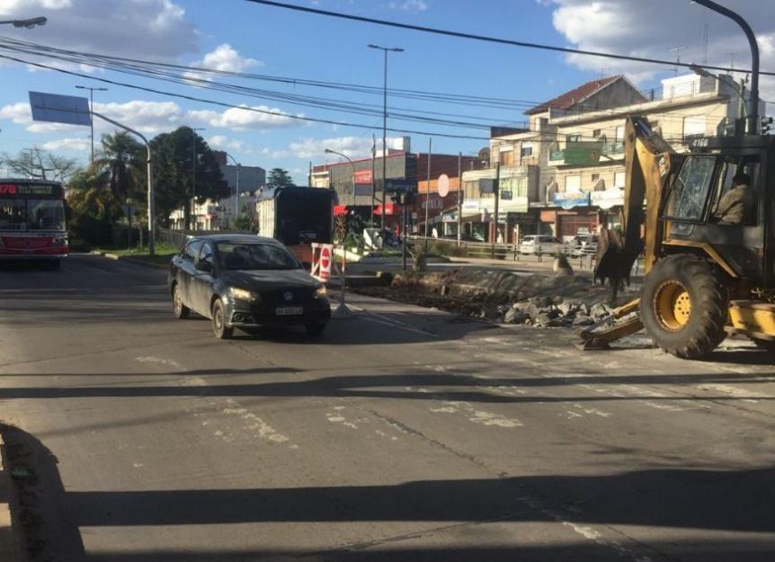Florencio Varela: Inician trabajos en el carril central de la avenida San Mart�n
