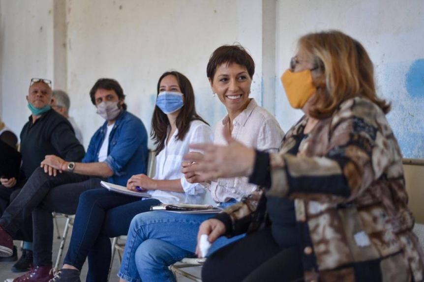 Mayra Mendoza se reuni� con entidades y vecinos de Bernal Oeste para escuchar su problem�tica