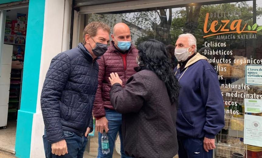 Diego Santilli y Martiniano Molina dialogaron con comerciantes de Bernal