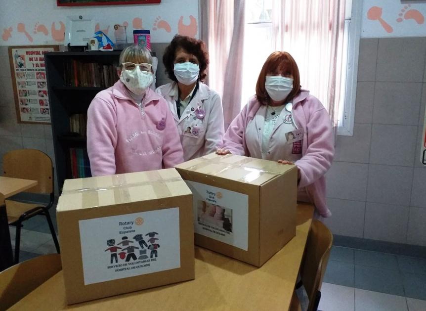 Rotary Club Ezpeleta entregó ropa a las Damas de Rosa del Hospital Iriarte