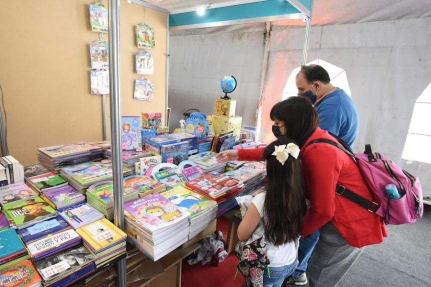 """Darío """"Z"""" se presenta hoy en la Feria Municipal del Libro"""
