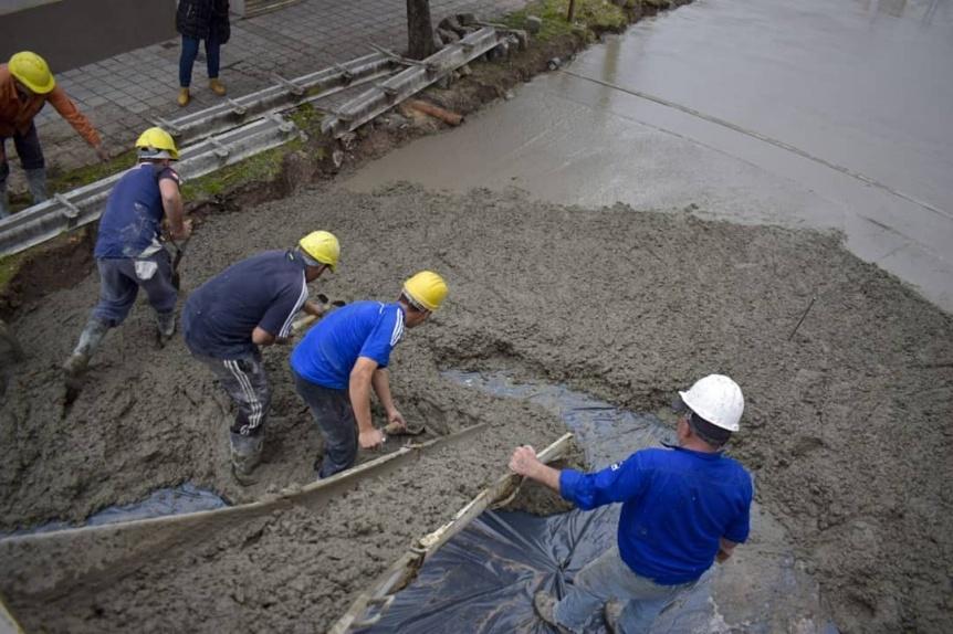 El Municipio contin�a con las tareas de pavimentaci�n en Quilmes Oeste