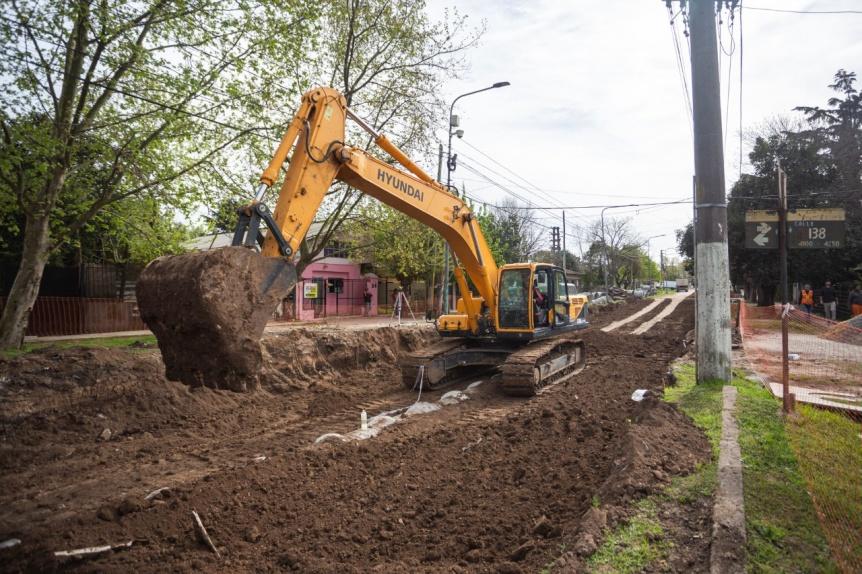 Iniciaron las obras de repavimentaci�n y desag�es de la avenida Milazzo