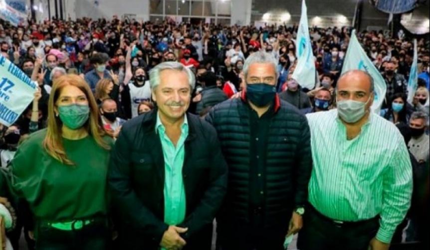 Alberto Fern�ndez en un plenario pol�tico y festival art�stico en Avellaneda