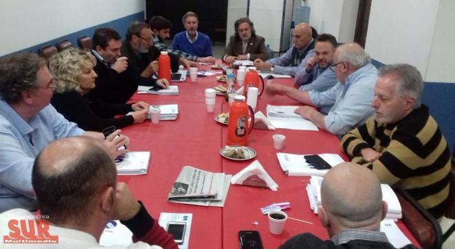 La UIQ y el IEDES debatieron con el economista Matías Kulfas