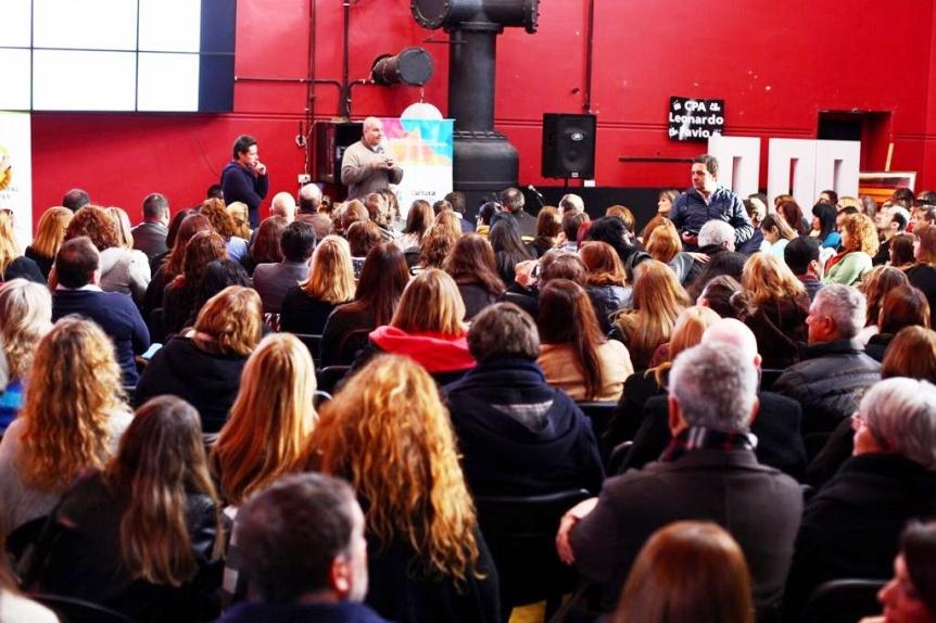 Molina y Sánchez lideraron un encuentro con más de 350 educadores