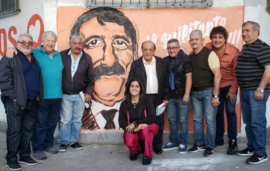"""Bautizaron con el nombre del militante social """"Café"""" Curia a la calle 142, entre Lanteri y 24"""