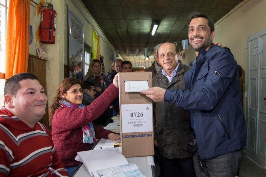 Juan José y Patricio Mussi sufragaron en Berazategui