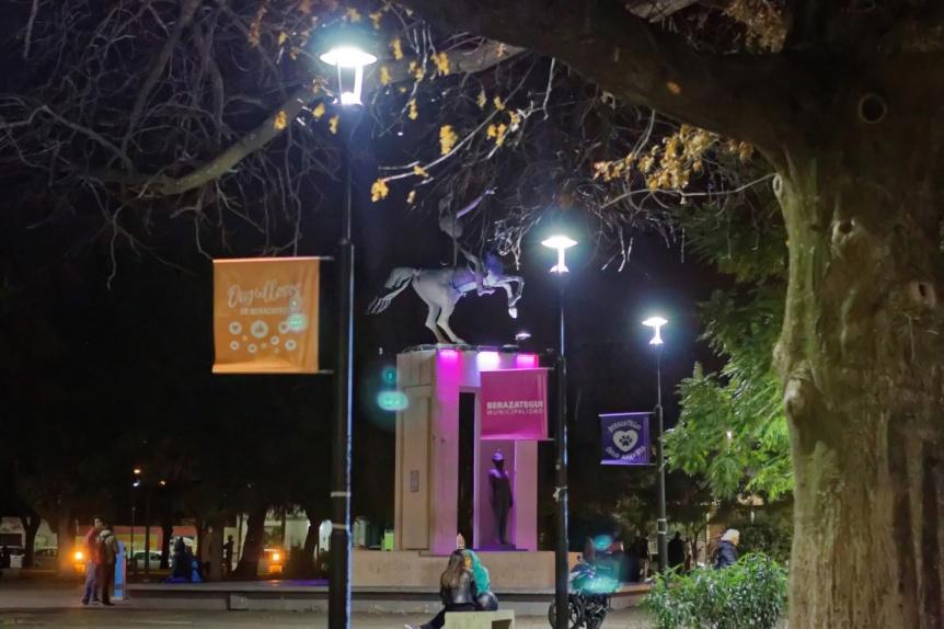 Cambian viejas luminarias por luces led de bajo consumo en Berazategui