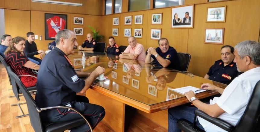 Avellaneda: Bomberos se suman al trabajo de prevenci�n del coronavirus