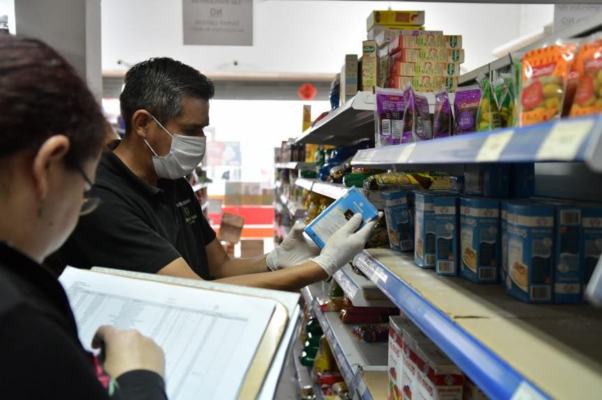 Clausuran cuatro supermercados en operativo de control