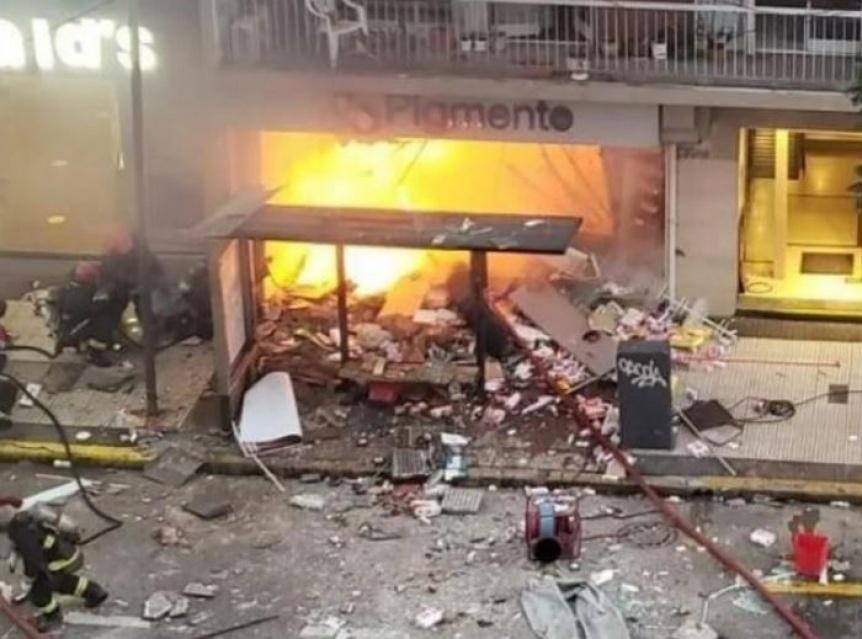 Explosiones e incendio en una perfumer�a: murieron dos bomberos y 6 heridos