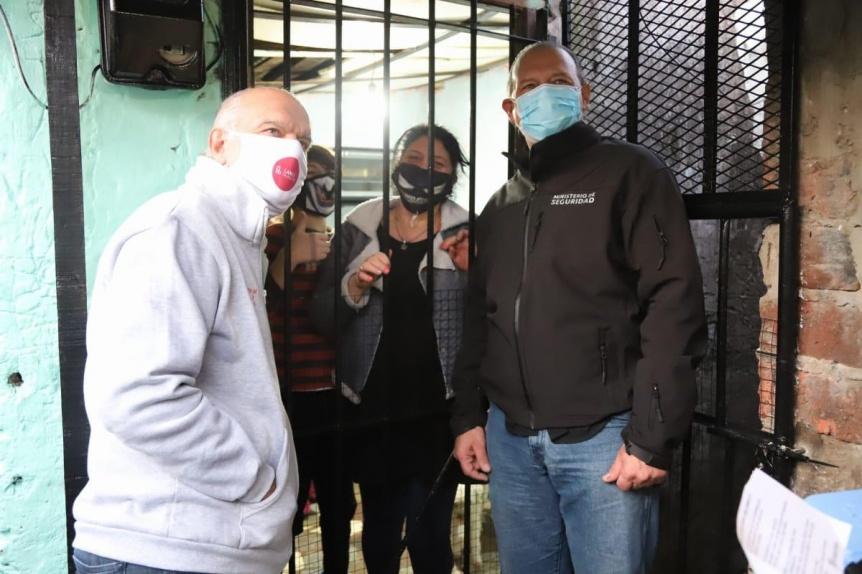 """Grindetti y Berni supervisaron operativo """"Casa por Casa"""" en Villa Sapito"""