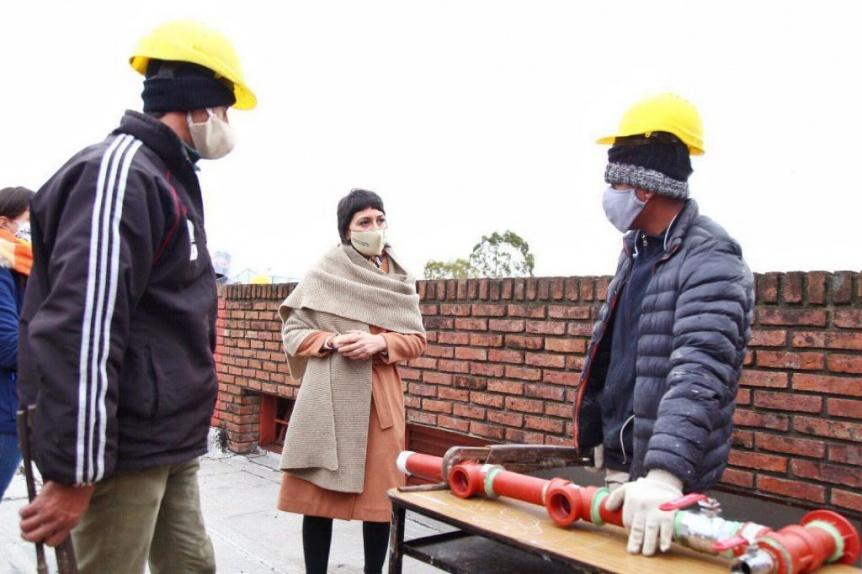 La Jefa comunal entreg� barbijos para el SAE y supervis� refacci�n de escuelas