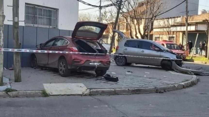 Quilmeños persiguieron a un motochorro en contramano, chocaron y mataron a un hombre
