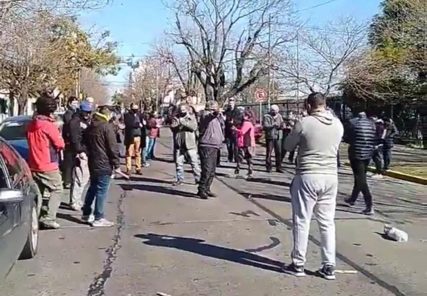 Feriantes de Quilmes piden ser habilitados para trabajar