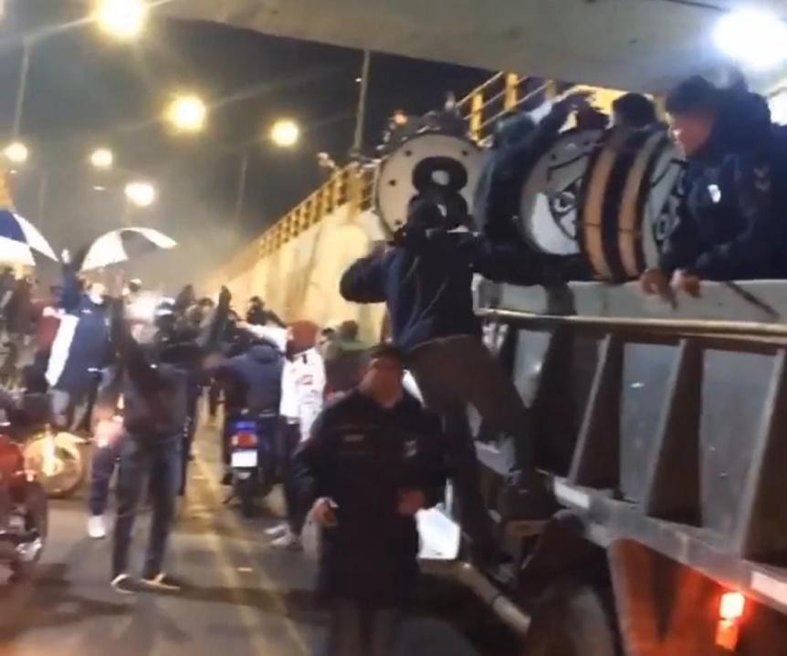 Hubo caravana y festejos por el Día del Hincha de Quilmes