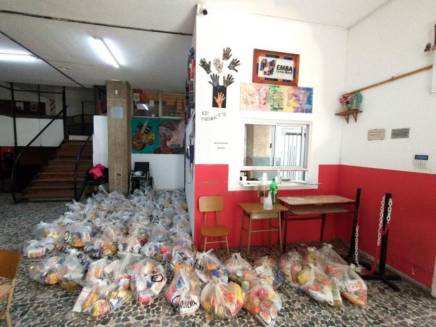 Continúa la entrega de alimentos en los establecimientos educativos de Quilmes