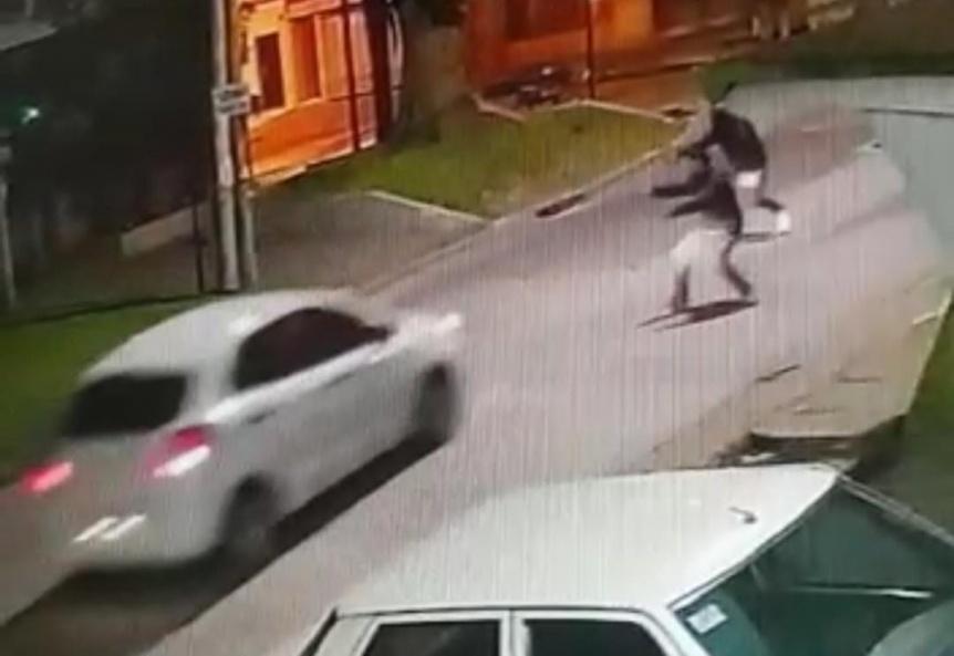 Delincuentes intentaron asaltar a automovilistas en Av. Lebensohn