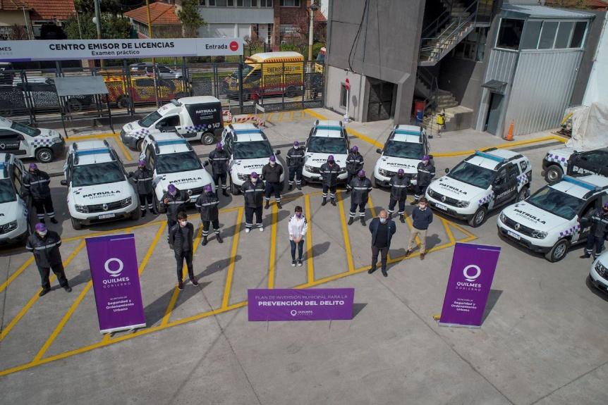 Seguridad: Mayra Mendoza presentó 10 nuevas patrullas urbanas