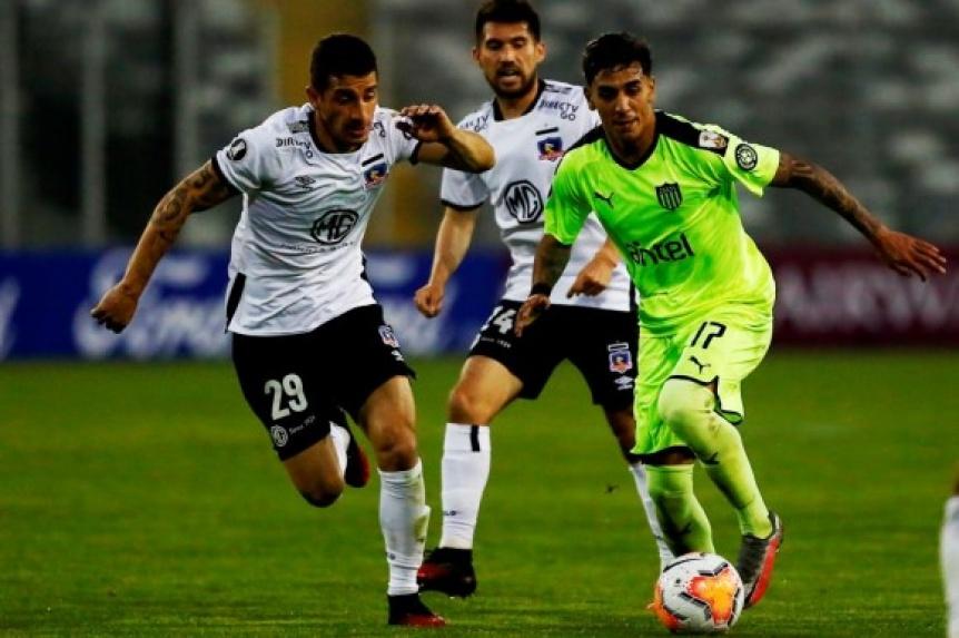 Colo Colo venció a Peñarol y manda en el Grupo C