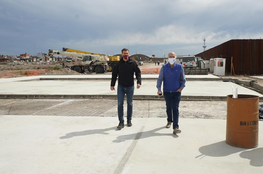 Grindetti recorrió la planta de tratamiento del Parque Industrial Curtidor