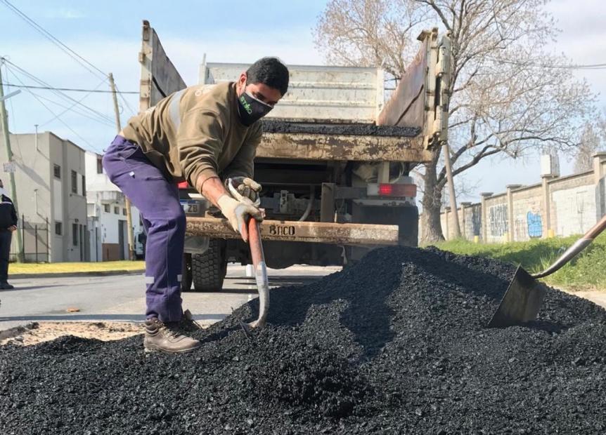 Operativo integral de limpieza y mantenimiento en barrios de Quilmes