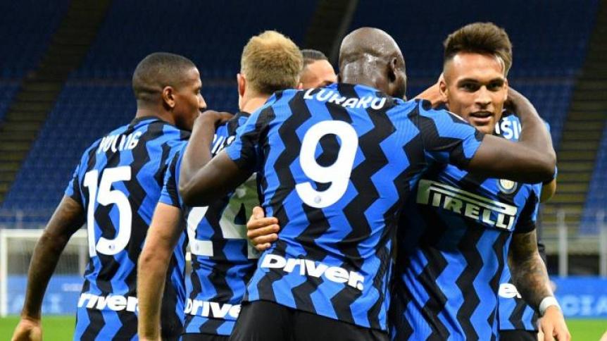 Inter se lo dio vuelta a Fiorentina en el final del partido