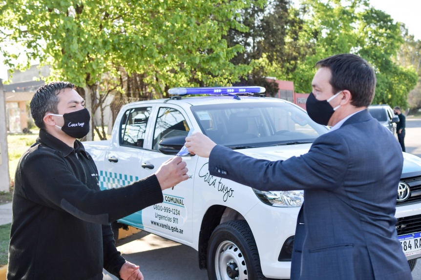 Watson adjudic� doce nuevas camionetas a la Guardia Comunal